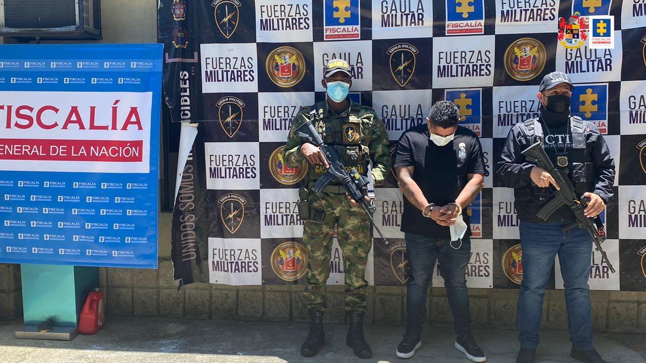 Asegurado hombre que habría exigido dinero a una mujer a cambio de no atentar contra la vida de su hijo menor de edad - Noticias de Colombia