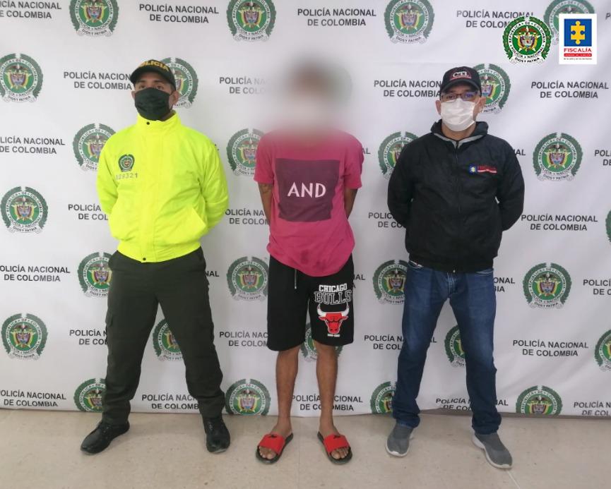 En ofensiva contra delitos sexuales, judicializado un padre de familia que habría abusado de sus dos hijas de 3 y 4 años en Cartagena - Noticias de Colombia