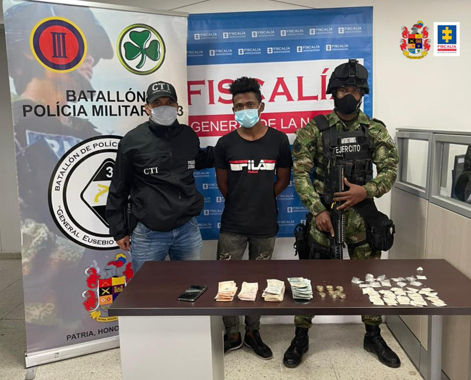 A la cárcel alias Chamo, quien presuntamente comercializaba estupefacientes en el barrio El Rodeo de Cali - Noticias de Colombia