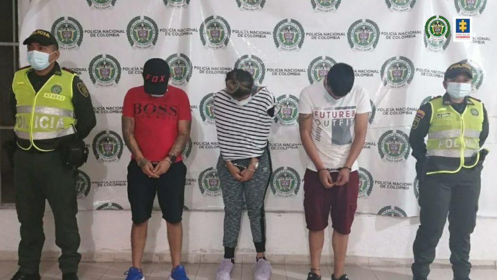 A la cárcel tres hombres y una mujer presuntamente responsables del hurto a la casa de un exalcalde de Pueblo Bello (Cesar) - Noticias de Colombia