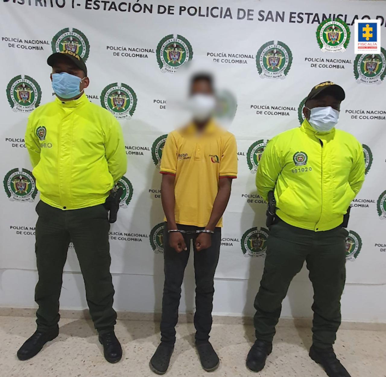 Cárcel para joven que presuntamente abusaba de su hermana menor de edad - Noticias de Colombia