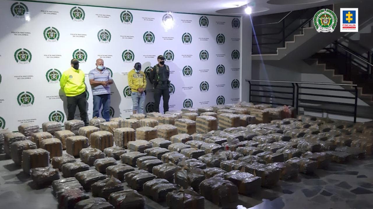 Judicializados dos hombres que transportaban más de una tonelada de marihuana en vías del Tolima - Noticias de Colombia