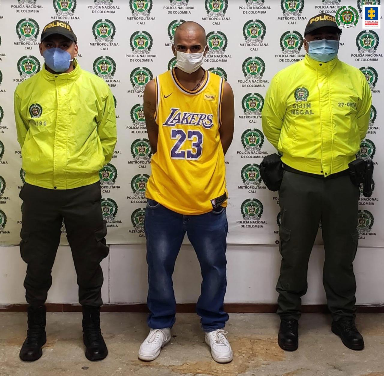 A la cárcel alias Calero, quien habría agredido a un patrullero de la Policía durante las manifestaciones violentas en Yumbo - Noticias de Colombia