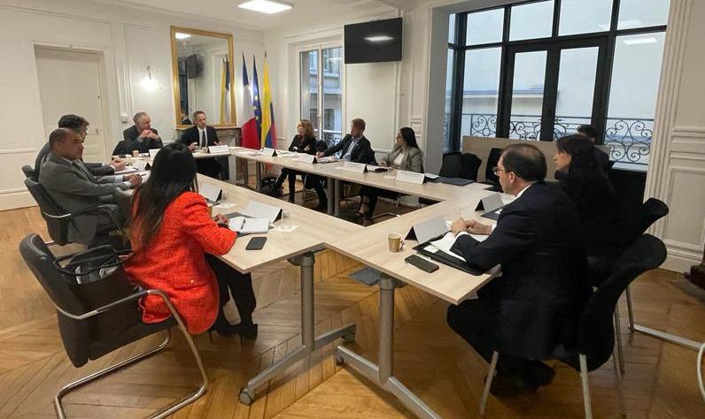Fiscal General, Francisco Barbosa, se reunió con Director de Policía Judicial de Francia, Jérôme Bonet - Noticias de Colombia