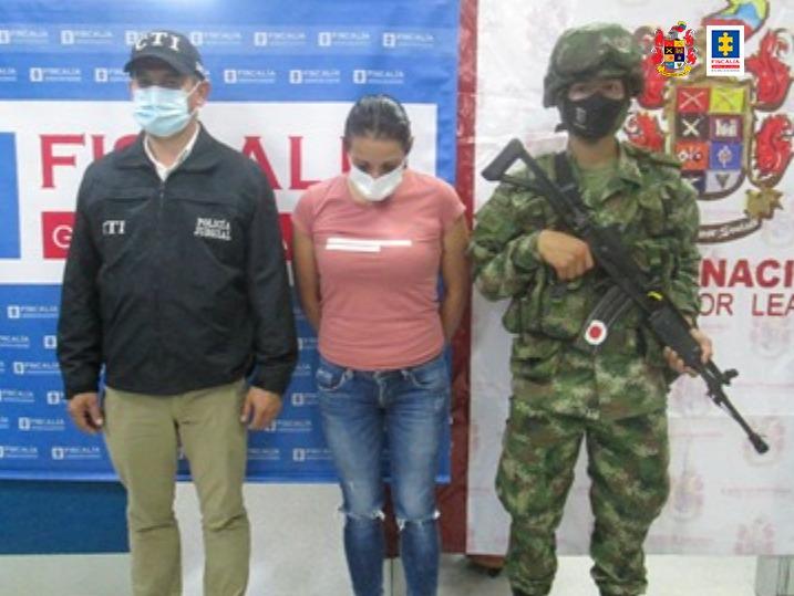 A la cárcel una mujer por violencia intrafamiliar contra su ex compañera sentimental - Noticias de Colombia