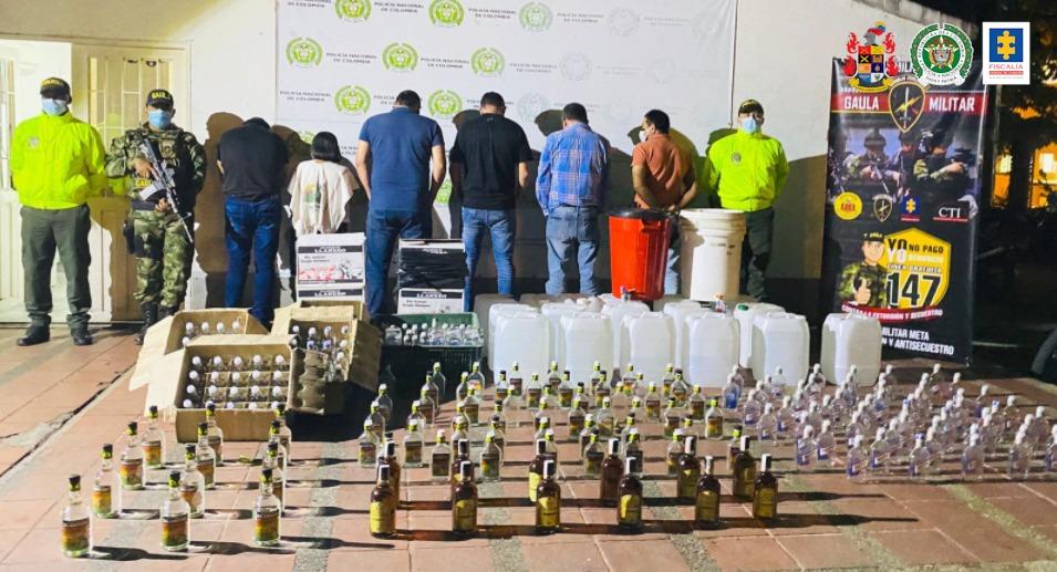 Asegurados 'LosChirrinchis', estarían implicados en fabricación y comercialización de licor adulterado en Meta - Noticias de Colombia