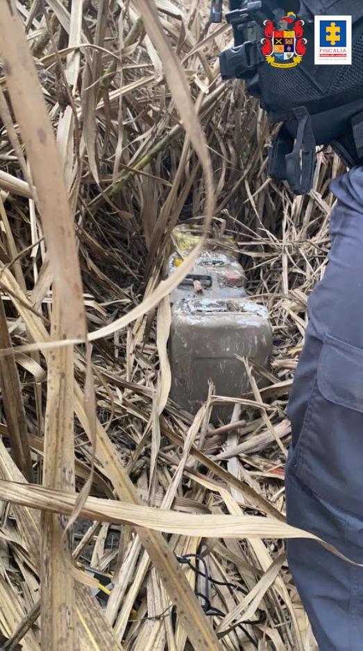 CTI y Ejército incautaron explosivo Anfo que sería utilizado contra estaciones de Policía en Valledel Cauca - Noticias de Colombia