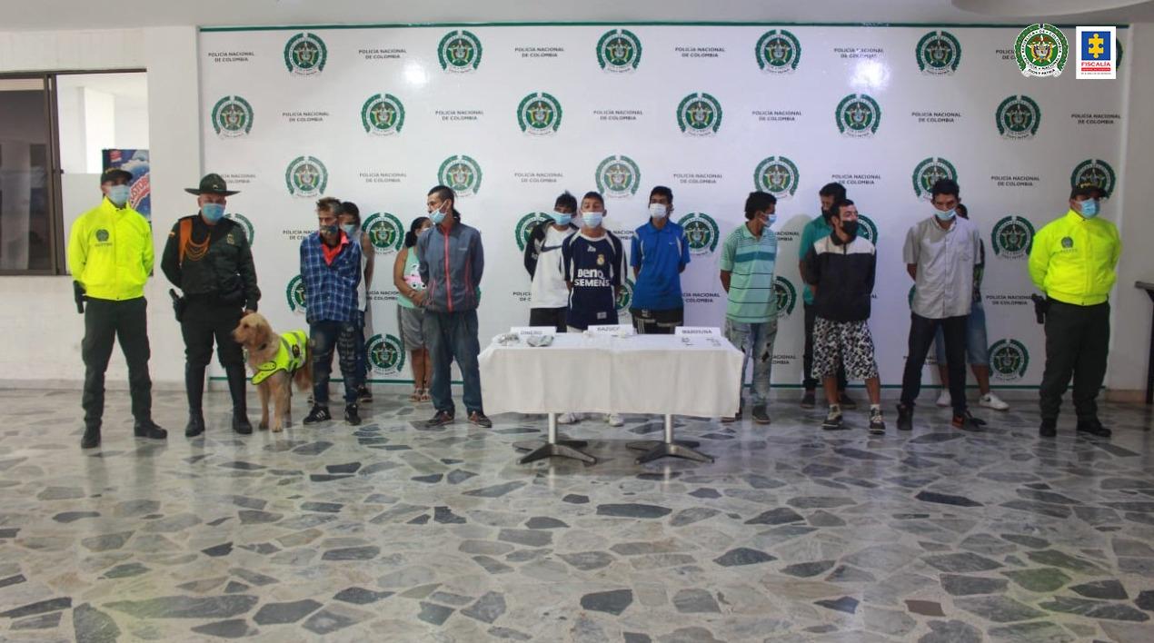 Privadas de la libertad 12 personas por presunto tráfico de estupefacientes en la Comuna 7 de Ibagué - Noticias de Colombia