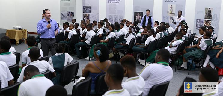 Vicefiscal General durante charla a estudiantes en Quibdó.
